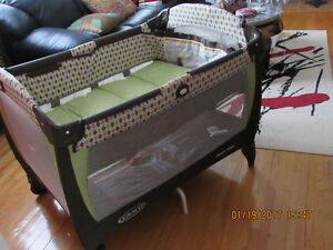 Authentic Graco Pack and Play Baby playpen