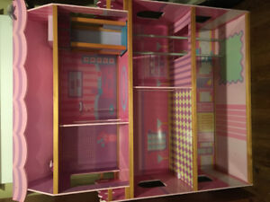 Doll House and Large Bag of Doll House accessories