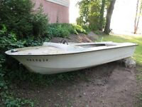 16 ft Fibreglass boat, shell only.