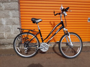 2014 Giant Sedona LX hybrid mountain/road bicycle