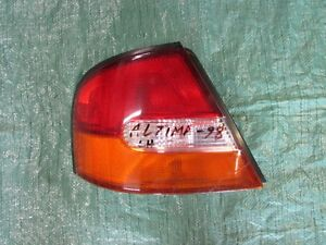 Nissan Altima Right Tail Light 1998-1999