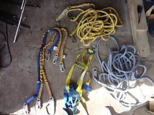 ROOFING HARNESS AN ROPES AN CLAMPS