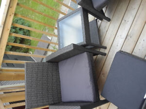 Patio furniture 2 chairs, 2 foot rests and coffee table