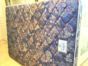 GOOD CONDITION QUEEN BED MATTRESS - SEALY