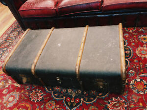 Coffre Antique - Table Basse  - Coffee table - Vintage Trunk