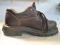 Women's Dakota Safety Shoes: Size 9. $10