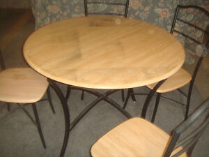 DINING SET- WOODEN