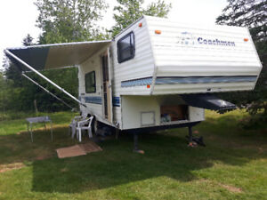 Coachman 5th wheel trailer