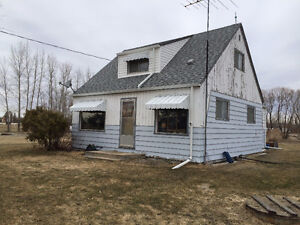 11/2-storey home in Anola