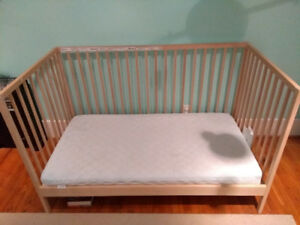 Ikea crib/toddler bed with mattress