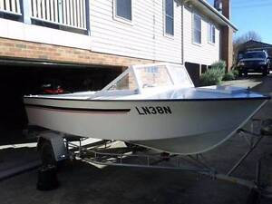 Classic fish'n'ski boat - PRICE REDUCED Hackett North Canberra Preview