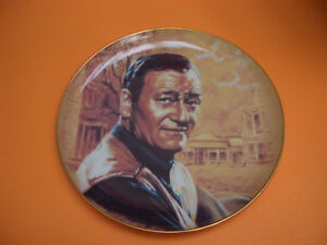 """JOHN WAYNE"" COLLECTOR PLATE BY SUSIE MORTON WITH DVD MOVIE"