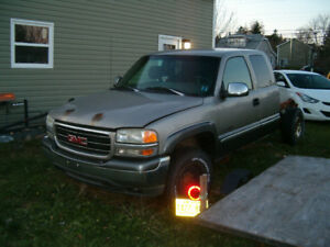 1999 GMC Siarra 2500 parts or repair $1000 OBO