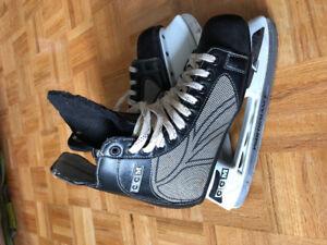 CCM Men's hockey skates (size 7)
