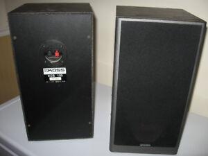 haut parleur koss 50.00 et un set de haut parleur camber 40.00