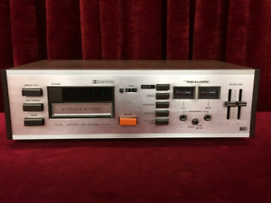 REALISTIC TR-802 8 TRACK PLAYER/RECORDER - NEAR MINT CONDITION