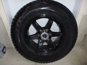 Mags noirs et pneus d'hiver Blizzak pour Ford F150