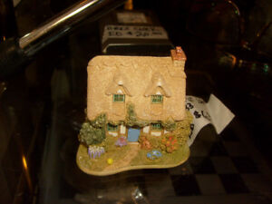 Lilliput Lane The Perfect Friend L3033 Handmade in England