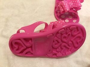 Girl's shoes London Ontario image 2