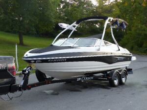 2011 Larson Senza 206 with Roswell wakeboard tower