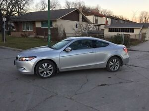 2010 Honda Accord EX-L coupe (LOW kms 32500!!!!!)