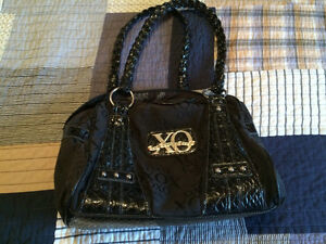 Women purse XOXO