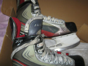 FOR SALE - Bauer Vapor X4.0 skates - size 8D