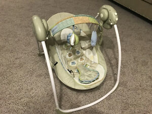 Bright starts swing in good condition - $30