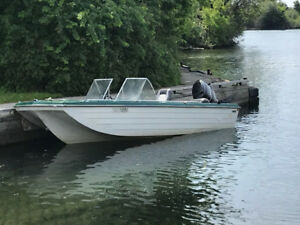 16 ft fiberglass boat with 75 hp mercury outboard