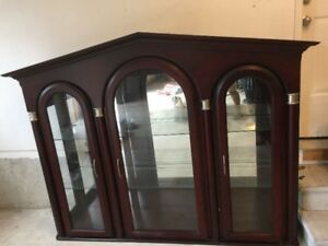 Italian Hutches excellent condition, Kindly call Peter at 416-41