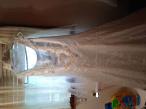 7/8 Handmade wedding dress with embroidering and vale to match