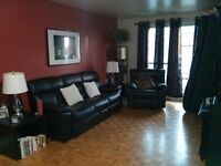 CHATEAUGUAY - 3 1/2 Clean & Spacious near Shopping