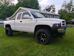 98.5 cummins 5 speed southern truck..no rust