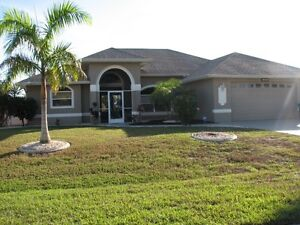 (( CAPE CORAL EXECUTIVE WATERFRONT VACATION HOME ))