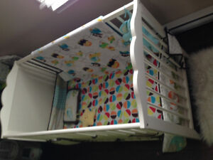 Crib in good condition with matrice included St. John's Newfoundland image 2