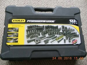 Stanley Socket Set 122 piece.