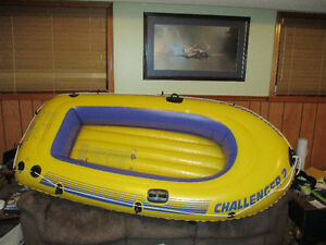 Rubber Dinghy Inflatable boat and two oars / paddles + foot pump
