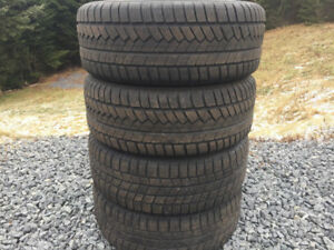 Four 225/60R15 Winter Tires Excellent Tread