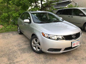 2010 Kia Forte Fully loaded LOW KM!!