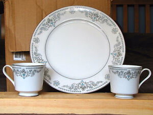 Set of Antique Dishes - Coventry Inn, Elizabeth pattern