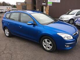 0909 Hyundai i30 1.6CRDi Comfort Estate Blue MOT 12m