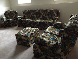 Excellent Condition 4 piece living room set