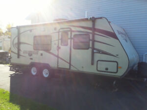 MUST GO!!!!! 2014 GULF BREEZE 24' - ULTRA LIGHT WT. TRAILER