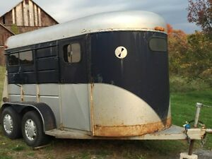 Oversized 2 horse Trailer for sale or swap (1990 Chapperal)