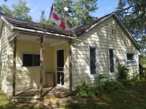 2 Bedroom 3 season waterfront cottage Campbellford