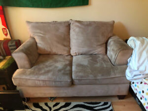 Couch, great condition for $80