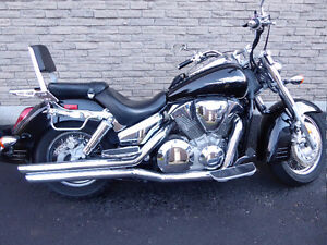 2005 Honda VTX1300S mint with lot's of extras
