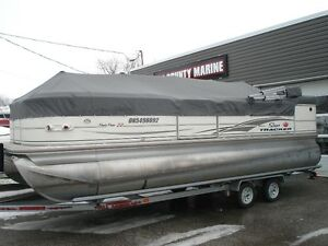 2007 22ft Suntraker regency pontoon...140HP