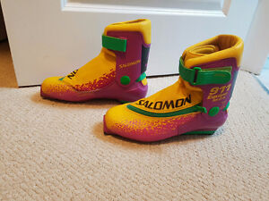 Salomon SNS Cross country ski boots (VERY CLEAN)