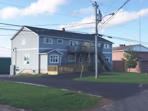 3 Bedroom Heated Cornwall / North River Apartment